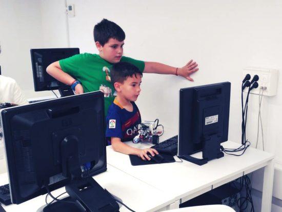 tau formar curso robotica ciencia tecnologia informatica infantil santa coloma de gramenet 3