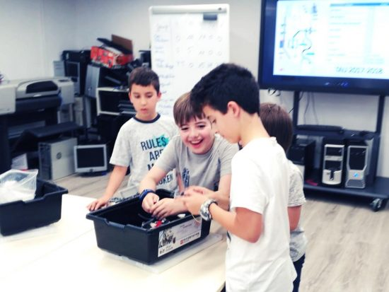 tau formar curso robotica infantil santa coloma de gramenet 7